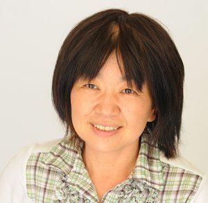 記者-塩崎文香